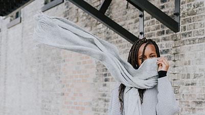 羊毛围巾面料是什么机器织造的?