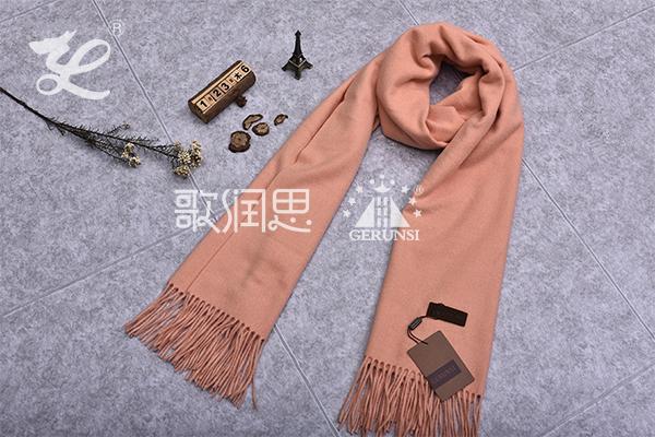 300克夹花围巾(温柔简单的温柔围巾)