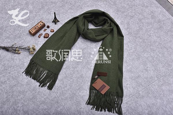 300克夹花围巾(军绿色时尚简约长围巾)