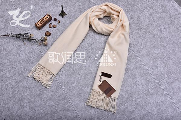 300克夹花围巾(乳白色简单保暖围巾)